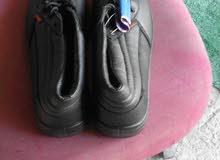 احذية لعمال الشركات