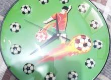 ساعة اطفال ممتازة جدا غير مستعملة لغرفة الاطفال على شكل لاعب كره