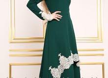 فستان من قماش الدبل مزين بالدانتيل صناعة تركية القياس 38  طول الفستان من الأمام