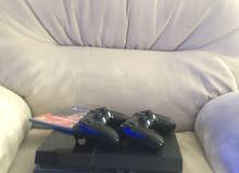 بليستيشن 4 مع  joystick اضافي