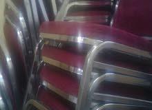 15كرسي لون خمري بحالة الجديد الكرسي بخمسة