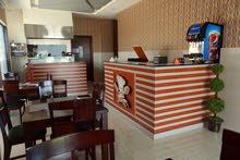 مطعم للإيجار على الخط الأول من الشارع الى مسقط مول / Resturant for Rent