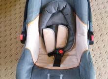 كرسي اطفال بحالة الجديد