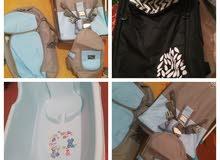 سرير هزاز و2بوكس و2حاملة للطفل للبيع