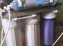 جهاز تحلية المياه  يشهد الله  علي انه جديد ولم يستعمل اكثر من يومين راقي جدا