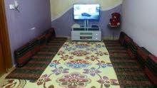 بيت للايجار طابق واحد غرفتين نوم واستقبال وصاله ومطبخ وصحيات