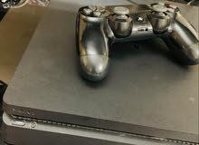 » Playstation 4 مع يد التحكم