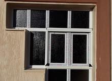 باحث عن عمل فني صناعة الابواب والنوافذ ال(pvc)