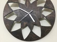 ساعة حائط خشب بتصميم مودرن