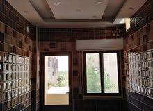 شقة فاخرة للبيع في العاشرة الغربي طابق اول هندسي يسار بمساحة 78م