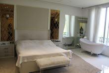 دبي المرابع العربية فيلا 3 غرف مع حديقة خاصة وموقف سيارة لايجار السنوي