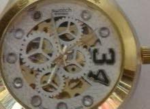 ساعة من النوع swatch ميكانيك