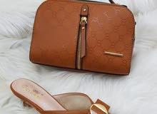 حقائب وأحذية نسائية