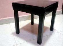 طاولات خشبيه