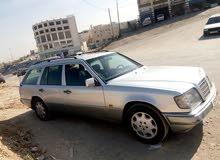 Used condition Mercedes Benz E 200 1995 with 0 km mileage