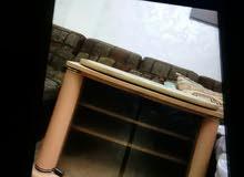 كنب + طربيزة عدد 2 + بوفيه + خزانة تلفزيون متحركة + سجاد + برادي