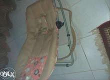 سرير بيبي هزاز وثابت مع مرتبه ضغط سفنج أستخدم 6 شهور  البيع لدواعي السفر أ