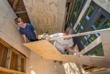 نجار صيانة غرف نوم وأبواب خشب