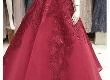 للبيع فستان فخم لون كرزي ملبوس ساعتين فقط   الشراء ب1500 ريال