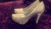 حذاء مابوس لبسه وحده وبس مقاس38سعر الشراء 25سعر البيع 10