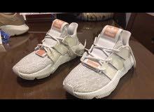 حذاء رياضي نسائي ماركة اديداس adidas