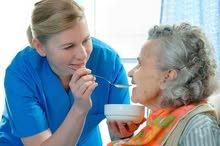 نوفر لكم خدمة رعاية المسنين والأطفال وممرضين