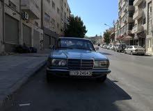 سيارة مرسيدس موديل 1979 بحاله جيدة للبيع