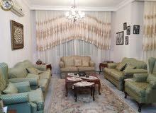 شقة مميزة للبيع في ام السماق طابق اول 180م تشطيب سوبر ديلوكس