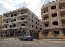 شقة 220م فورى بعمارة جديدة بهااسانسير وانتركم امام نادي جرين هلز مباشر