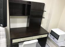 مكتب مع رف او رفوف للبيع
