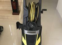 آلة ضخ ماء للتنظيف العميق لليقع على الارضيات و النوافذ