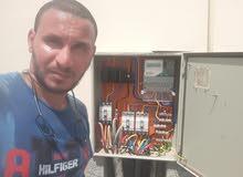 فني كنترول وبور كهرباء خبره 7 سنين في شركة Abb مصر