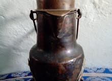قنينة قديمة صنعة في 1900 من النحاس