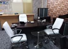 اثاث مكتب للبيع شبه جديد بسعر مغري