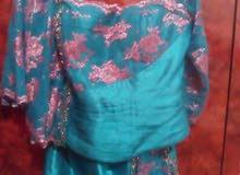 فستان وبدلة