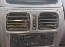 Clio bombe tout options modèles