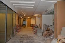 مقر تجارى لشركة او بنك للإيجار 2500 متر