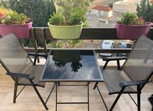 طاولة مربعه و 6 كراسي تصلح لحديقة منزل او تراس او براندا