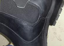 حذاء جلد اصلي للبيع-جديد نمرة 42