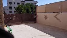 شقة مقابل ميداس للبيع ارضية مع حديقة خلدا