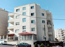 شقة للبيع في طبربور _ مساحة 120 متر _  طابق أول _ منطقة مخدومة بلقرب من ( مركز أمن طارق )