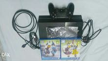 PS4 + one hand piece + 2games ( Fifa2015/ Fifa2016 )