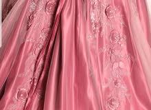 29fd18369 فستان للبيع الإستخدام مره وحده