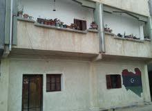 فيلا بن عاشور من تلات طوابق المكان بن عاشور واجهتين مساحة البناء من تلات طوابق ا