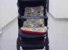 عربة أطفال شبه جديدة للبيع.