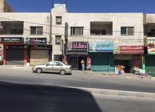 شقة للإيجار تتكون من 4 غرف ومطبخ 3 حمامات الموقع عين الباشا مثلث المدارس