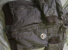 جاكت مبطن يتميز ب 9 جيوب يناسب من 11و12و13و14 سنة