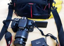 Canon 600D  weth 18-55mm kit lens.  Charger  and bag. Very good condition  Prafe