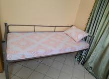 يوجد سكن مشترك في غرفه الغرفه 4سراير فقط في محطه برجمان  مخرج رقم 4سعر السرير ي