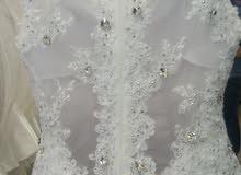 بدلة زفاف وارد خاج الأردن شاحط ملوكي مع كامل مستلزماتها لبس ساعتين فقط للايجار ا